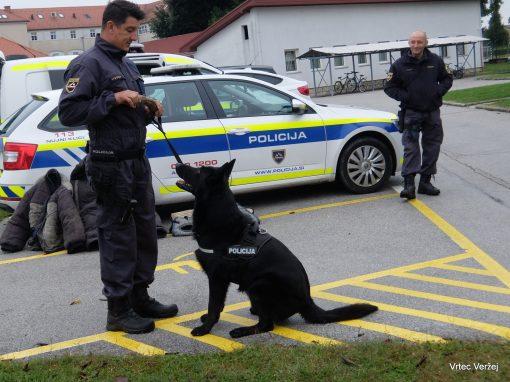 Obisk policistov v vrtcu